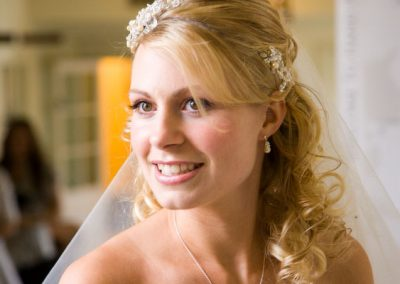 Radiant natural wedding make-up.