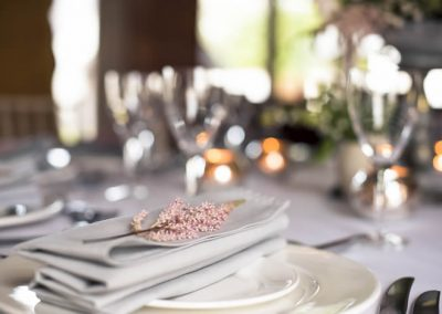 Wedding table at Ash Tree Barns, photo by Lucy Dack Photography